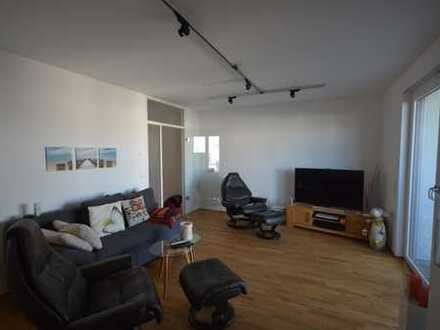 Neuwertige 3-Zimmer-Wohnung mit Balkon, Loggia und EBK in Essen