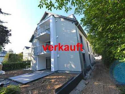 Bad Godesberg, Villenviertel: Geborgen fühlen in moderner Erdgeschosswohnung mit großer Terrasse