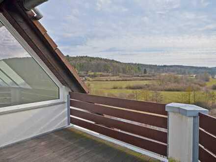 Traumhafte 2,5 Zimmer Dachgeschosswohnung mit Weitblick in Aidlingen-Deufringen