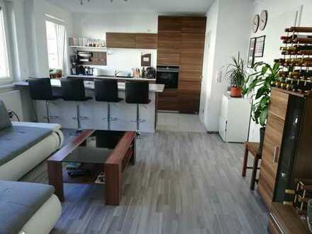 Exklusive moderne 3-Zimmer-Wohnung mit Balkon & Küche; Möbiliert; 3 OG