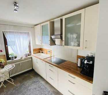 Helle und schöne 3 Zimmer Wohnung mit toller Austattung und Einbauküche im Zentrum von Karlsfeld