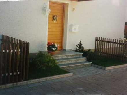 DHH in Bobingen, 5 Zimmer, 140 qm, Garten, Garage, Stellplatz, Bahnhof