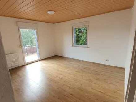 Helle 2-Zimmer Erdgeschosswohnung in Niefern- Vorort