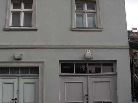 Schöne 1 Zimmer Dachgeschosswohnung