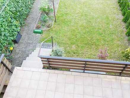 Sehr gepflegtes Reihenhaus mit großer Terrasse, Garten und 2 Garagen