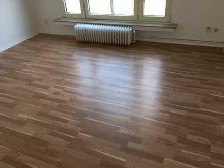 Vollständig renovierte 1,5-Zimmer-Wohnung mit EBK in Bochum-Altenbochum
