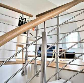 Stilvolle 2-Zi-Maisonette-Wohnung in einem denkmalgeschützen Gebäude
