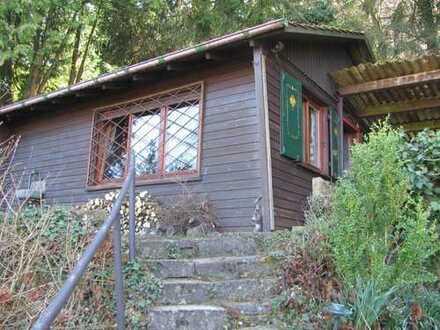 Herrliches Freizeit-/Wochenend-Grundstück mit Häuschen