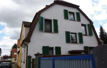 Schönes Haus mit sechs Zimmern und Nebengebäude in Darmstadt-Dieburg (Kreis), Groß-Zimmern