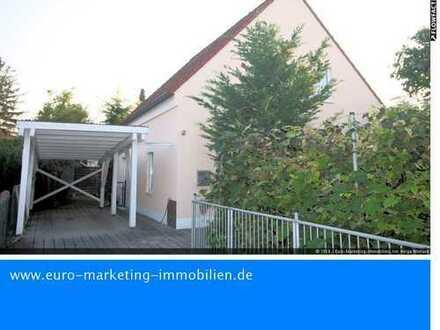 Gepflegtes ruhiges Einfamilienhaus mit Carport & kleinem Garten in Ingolstadt, Nähe Manchinger Str