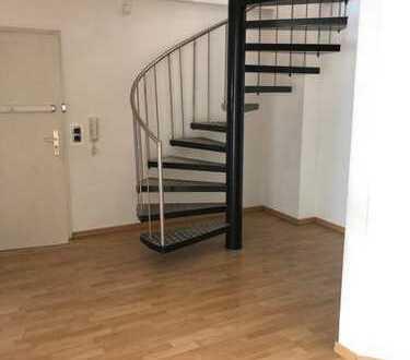 Ansprechende 5-Zimmer-Maisonette-Wohnung mit Balkon und EBK in Mannheim Käfertal