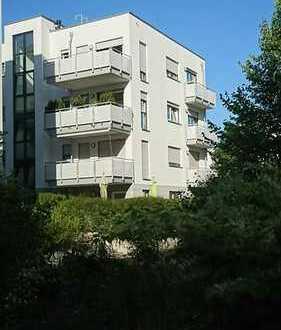*** Ihr zukünftiges Zuhause: helle Traumwohnung mit 4 Balkonen in Echterdingen ***