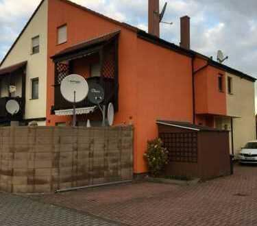 Ideal für die kleine Familie - Quadrohaus in begehrter Feldrandlage in Mutterstadt