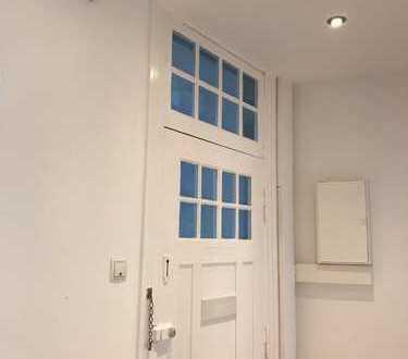Komplett sanierte zwei Zimmer Wohnung in Kiel, Hassee zu vermieten