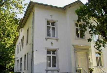 Einmalig in Göttingen:Äußerst repräsentative Bürovilla: ca. 848qm Bürofläche + ca. 214qm Wohnfläche