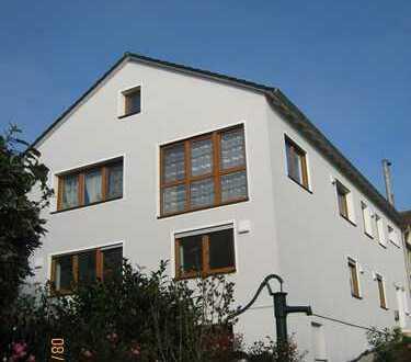 Schöne fünf Zimmer Wohnung in Bergheim, 117 qm, 1.OG