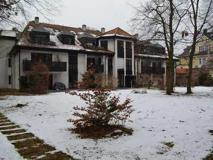 Sonnige 2,5-Zimmer-Wohnung mit Parkblick