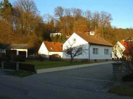 Einfamilienhaus mit großem Garten in Schiltberg zu vermieten!