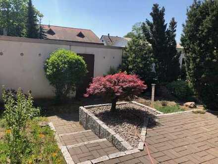 Reihenhaus mit kleinem Garten in guter ruhiger Wohnlage !