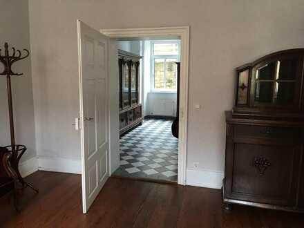 Außergewöhnliches Zuhause - 2,5-Zimmer-EG-Mietwohnung