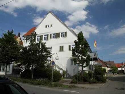 Attraktive 2,5-Zimmer-Maisonette-Wohnung mit EBK in Köngen