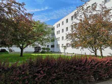 Bezugsfrei: 3-Zi-Wohnung; Balkon, Einzelgarage, Regensburg Südost