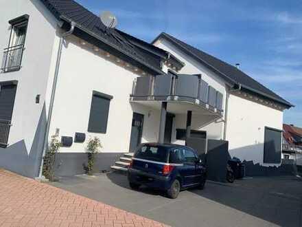 1.100 €, 128 m², 4 Zimmer