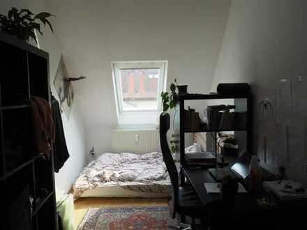 Zimmer in netter 3er WG, zentral, ab sofort verfügbar =)