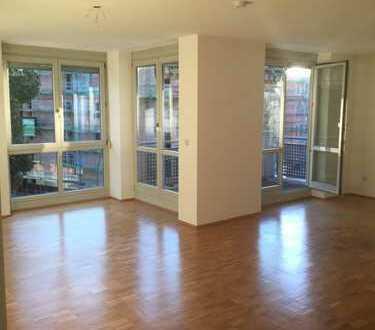 820 €, 83 m², 3 Zimmer