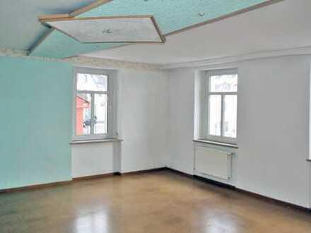 Günstige, vollständig renovierte 3,5-Zimmer-Wohnung in Thum