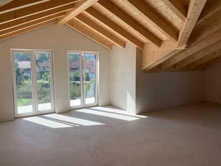 Erstbezug: schöne 3,5-Zimmer-Dachgeschosswohnung mit Einbauküche in Oberhausen