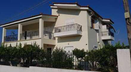 Schönes, geräumiges Haus mit sieben Zimmern in Kato Assos/Korinth