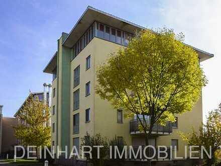 DI - schöne 2-Zimmer-Wohnung mit Balkon, Einbauküche und Fahrstuhl