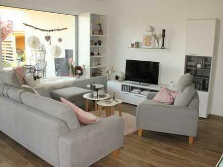 Schickes, neuwertiges Einfamilienhaus mit Garage und Garten