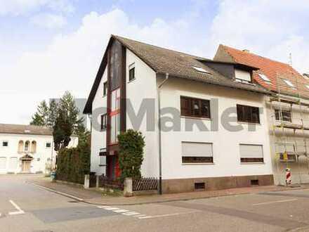 Ihr neues Zuhause mit Gestaltungspotenzial: Bezugsfreie 3-Zimmer-Wohnung mit großem Balkon u. Garage