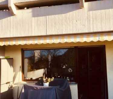 Attraktive 4,5-Zimmer-Wohnung mit Balkon und Einbauküche in Oftersheim