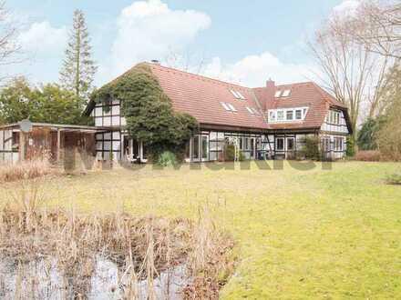 Traumhafte Landhausvilla mit 2 attraktiven WE und weitläufigem Grundstück in Bestlage von Faßberg