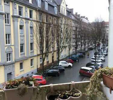 ***KREUZVIERTEL-Vinkeplatz-Gepflegte Wohnung mit Balkon, Laminat, Fliesen & Wannenbad***