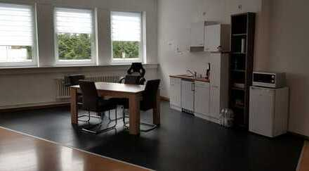 Großzügige, helle Büro-/Gewerbefläche