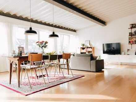 Dachgeschoss-Wohnung in Weidenpesch - Wenn Sie das Besondere lieben!!!