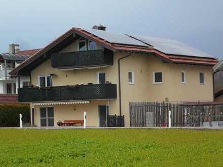 Mehrgenerationen-Wohnen / Größere Familie / Wohnen+Home-Office : 4-Zi-EG-Whg. + 2-Zi-DG-Studio