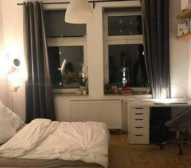 Schönes helles 18 Quadratmeter Zimmer zu vermieten