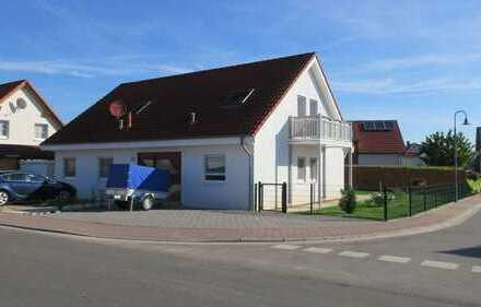 gepflegtes, freistehendes Zweifamilienhaus mit Garten, Garage und 5 Stellplätzen in Gau-Odernheim