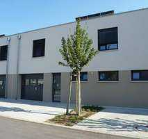 Neuwertiges Boardingshaus mit Lager in Forchheim-Silberstreifen