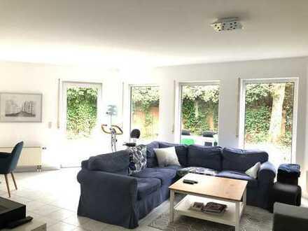 Einfamilienhaus mit EBK, 2 TL-Bädern, Sauna, Gäste-WC u. Carport in bevorzugter Wohnlage