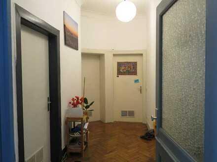 Charmante Altbau Wohnung mit Balkon und EBK in Stuttgart-Mitte/Ost