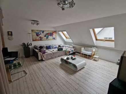 Günstige, modernisierte 5-Zimmer-Wohnung mit Einbauküche in Katzweiler