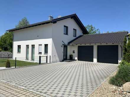 Einfamilienhaus mit Doppelgarage & Keller zu vermieten