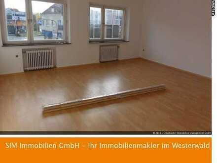 4-Raum-Wohnung im Zentrum frisch renoviert !