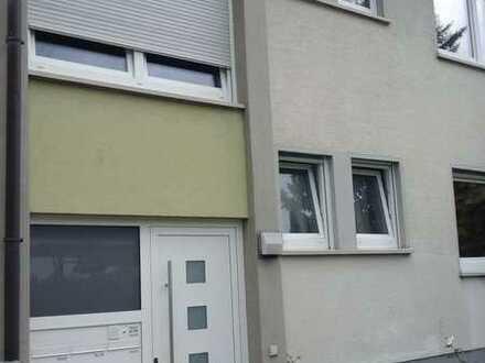 Schöne, naturnahe und sonnige 4 Zimmer Wohnung in Lenningen (Kreis Esslingen)
